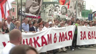 Thousands march through Moscow against Putin