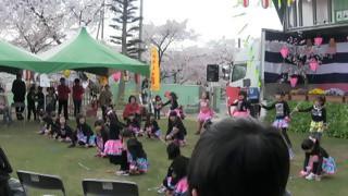 羽黒の桜まつり4・バトン演技・羽黒児童センタ